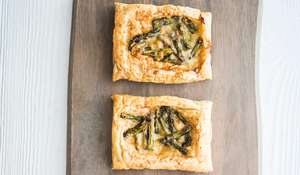 Three-ingredient Asparagus Tartlets Recipe