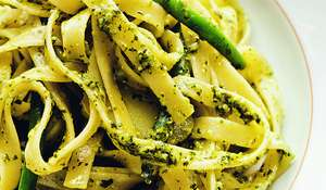 Trofie with Potatoes, Green Beans ( trofie con patate, fagiolini e pesto )