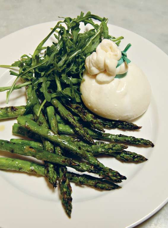 Burrata with Warm Roasted Asparagus and Wild Rocket (burrata con asparagi arrosto e rucola)