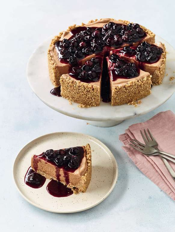 Nadiya Hussain's Banana Ice Cream Cheesecake with Blueberry Compote