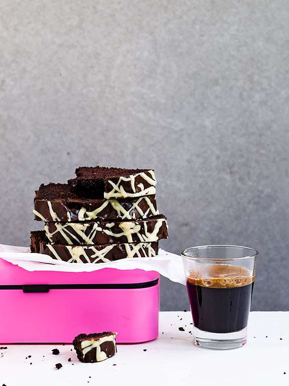 Super-Chocolatey Snacking Cake
