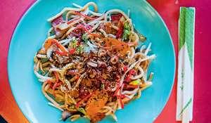 Yaki-udon (Stir-fried Udon Noodles)