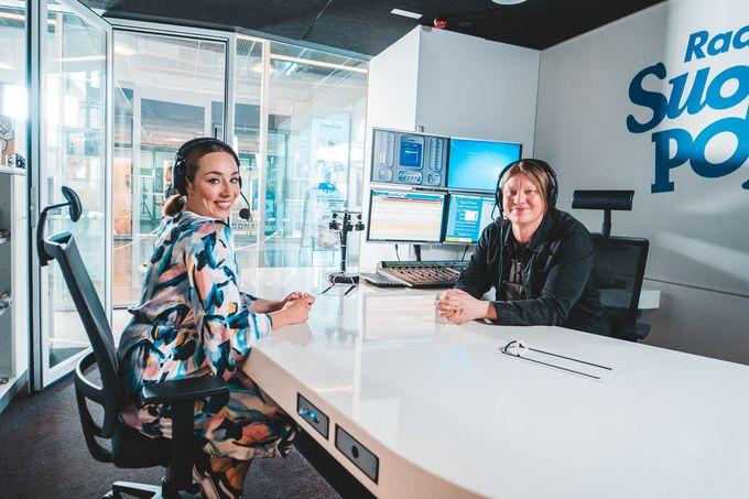Anni Hautala ja Jaajo Linnonmaa ovat tunnettuja Aamulypsy-radio-ohjelman podcasteista.