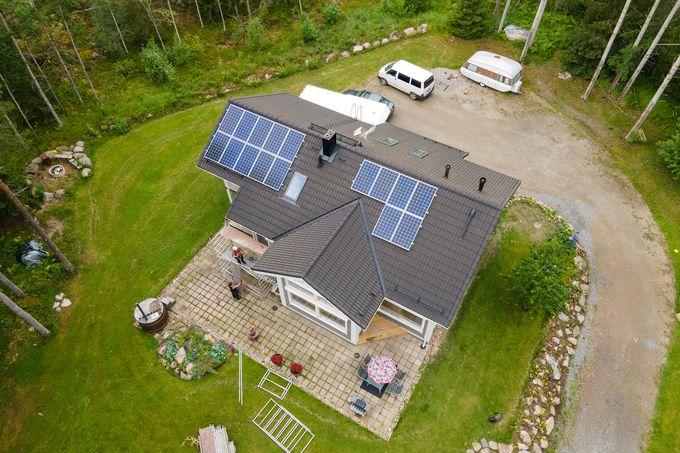 Oma aurinkovoimala talon katolla