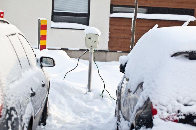 Auton lämmitys pakkasella