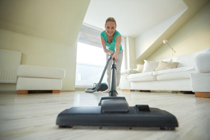 Säännöllinen imurointi parantaa kodin viihtyvyyttä.
