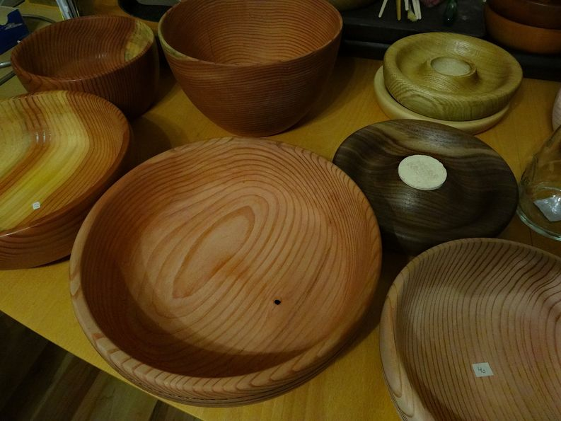 Gedrechselte und geölte Holzschalen
