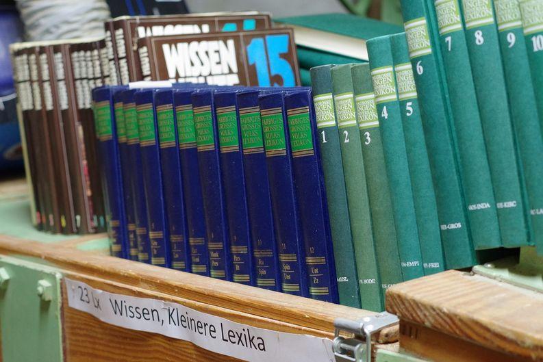 Lexika in Büchermühle