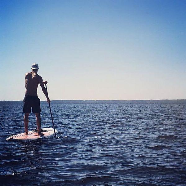 Merillä 😎⚓️ #suppailu #arctictrainers #pyhäselkä #vieläonlomaajäljellä