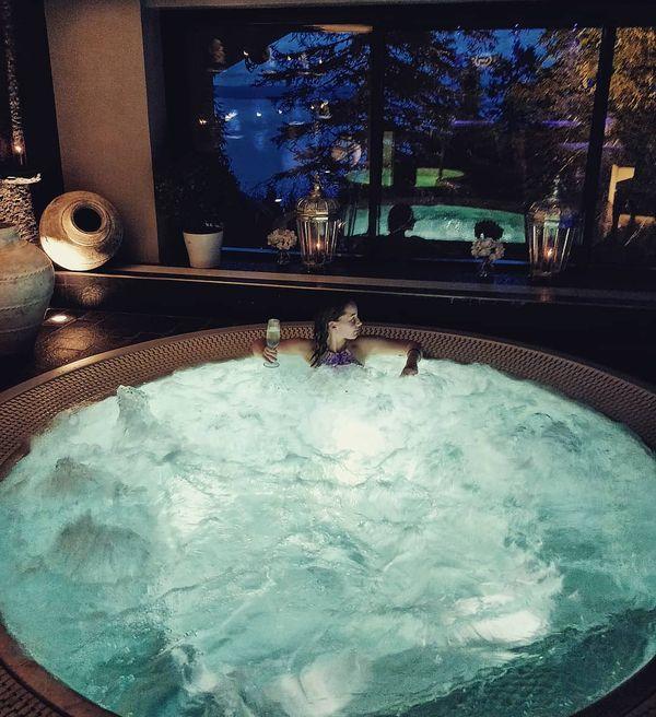 Two types of bubbles what I like 🍾😎. #spa #kolispa #dayoff #bubbles #irtiottoarjesta