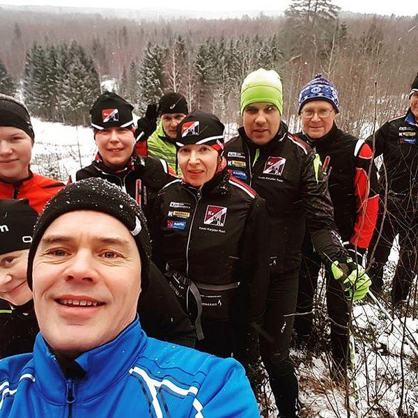 KeKaRan yhteislenkkiporukka valloitti tänään Rasivaaran. Syksyn aikana ryhmä on kiertänyt mm. Karelianpolkuja juosten ja patikoiden. Lisäinfoa sunnuntailenkeistä seuran blogissa. #karelianpolut #kitee #tohmajärvi #rääkkylä #yhteislenkki