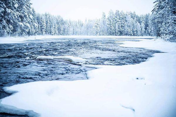 Vaikka auto päättikin perjantaina jättää matkan väliin, ja suunnitelmat meni osittain uusiksi, niin luonnosta pääsi nauttimaan kuitenkin. #ruunaanretkeilyalue #suomenluonto #retkellä #koski #murrookoski #lieksa #ruunaa #thisisfinland #finnisnature #finland4seasons #retkipaikka #luonnonvalokuvaaja #canonphoto #elämäonparastaulkona #talvi #laavulla #ihanatalvi #pakkanen #visitfinland #finnisnature #ulkonaperillä #maisemakuva