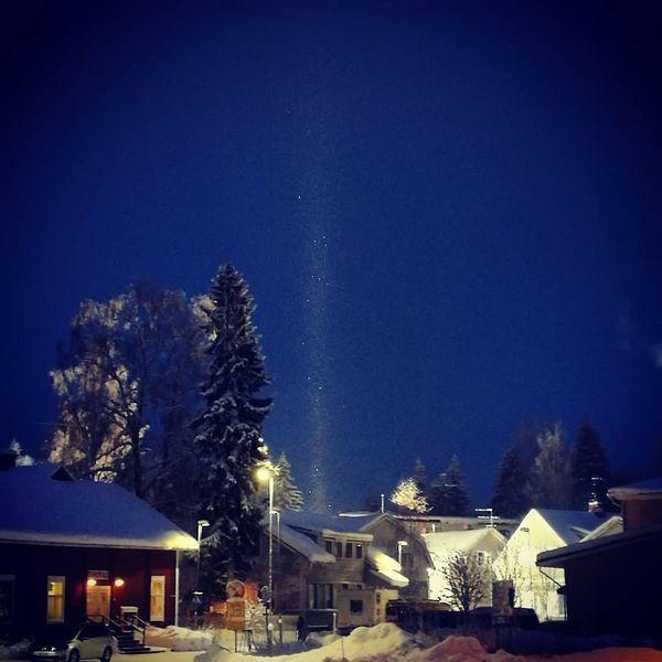 Glitter in the air. #sorjonen #puujuuka #juuka #itäsuomi #pohjoiskarjala #pakkaspäivä