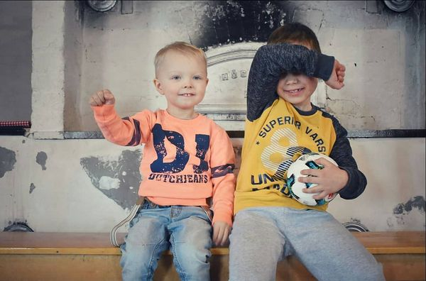 Cousins are those childhood playmates, who grow up to be forever friends. 💙💎 . .  #hetkiäbynoora #valokuvaajanaiset #valokuvaajanurmes #4hyritys #valokuvaajavaltimo #nurmes #valtimo #pohjoiskarjala #serkut #lapsikuvaajatsuomi #pojat