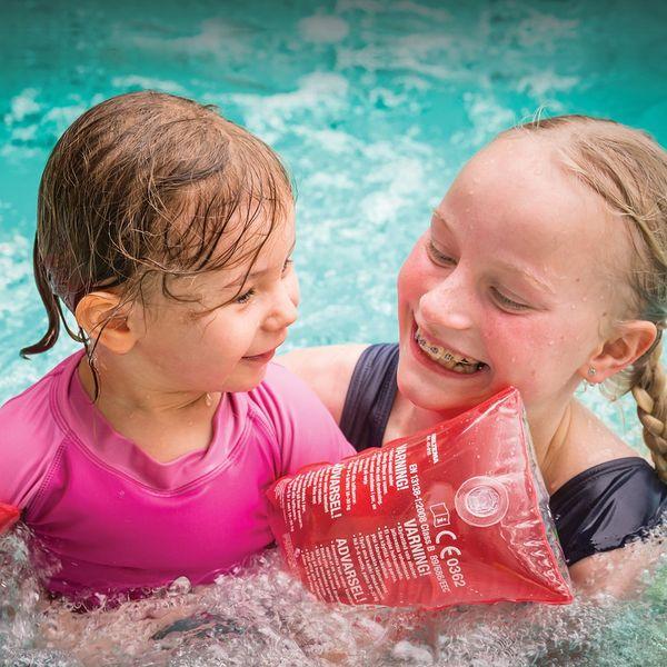 Laske vesipedot irti ja tule viettämään hiihtoloman Vesimaailmapäivää sunnuntaina 10.3. Huhmariin! 💦🧜 ♀️🐟💦 Vesimaailmapäivä sisältää lounasbuffetin ja Vesimaailman. Lounas tarjolla klo 12-14, Vesimaailma avoinna klo 10-14. Hinta: 23 €/hlö/aikuinen, 11.50 €/hlö/5-15v., 8 €/hlö/2-4v. #lomakeskushuhmari #huhmariholidaycentre #huhmari #polvijärvi #visitkarelia #visitkarelia_finland #hiihtoloma #talviloma