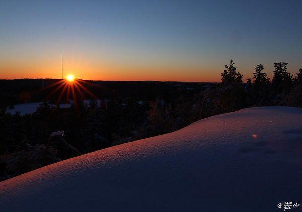Put the head on the cushion and sleep tight   Pää tyynylle ja kauniita unia 🌄 #koli #kolinkansallispuisto #ilovekoli #igclub_world #fotofanatics_nature_ #nb_nature_brilliance #winterwonderland #ig_nature_naturally #bns_finland #finnishmoments #loves_finland #beautyofsuomi #finland_frames #total_finland #discoverfinland #thisisfinland #thebestoffinland #visitingfinland #luontoonfi #finland4seasons #fiftyshades_of_twilight #fiftyshades_of_nature #naturebrillance #finland_photolovers #canon70d #canonnordic #canonartists #eliteartists #earthimagined #wowshot