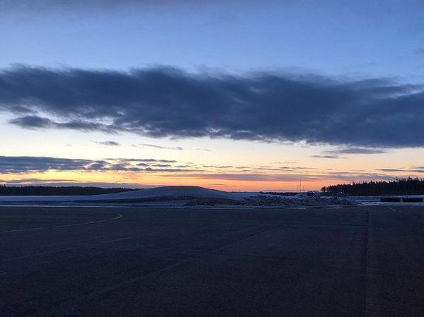 #Morning #sunrise #joensuu #joensuuairport #finland #finnair #nordicskiing #latergram