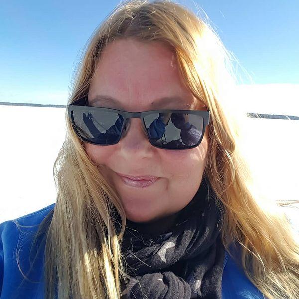 Jäällä ruskettuisi nyt kyllä hyvin ☀️ #lumikenkäily #kevätaurinko #pisamiapukkaa #kuorevaara #polvijärvi #pohjoiskarjala