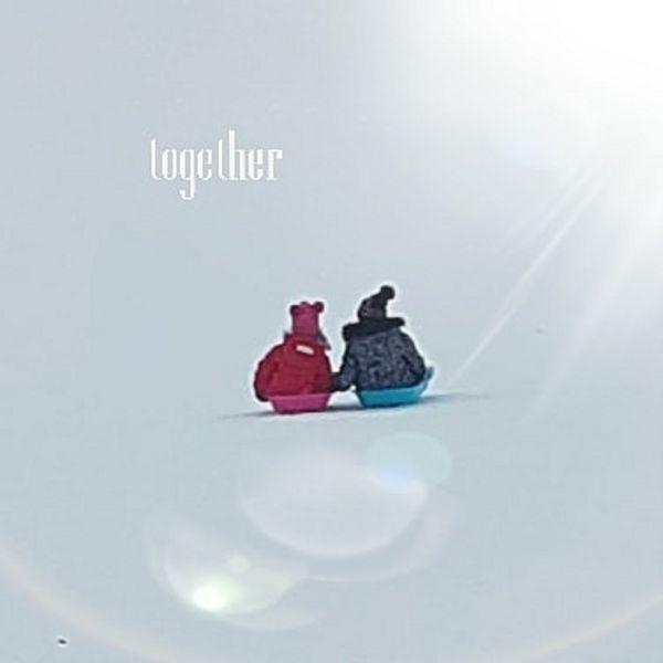 On suuri etuoikeus olla mummo 😘  #thisday #tämäpäivä #sledhill #pulkkamäki #snow #specialtimetogether  #takecareeachother❤ #huolenpitoa #cousins #together #serkuksetyhdessä #inspiration😘 #inspiraationlähteitä #it'ssonicetobemum👵 #galleriasavipaja #petravaara #tohmajärvi #keskikarjala #eastfinland #finland