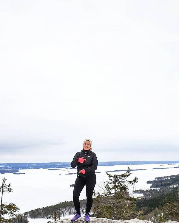 Näin iloinen olin kun pääsin Suomen kansallismaisemiin ☀️ #tilannekuva #räppikädet