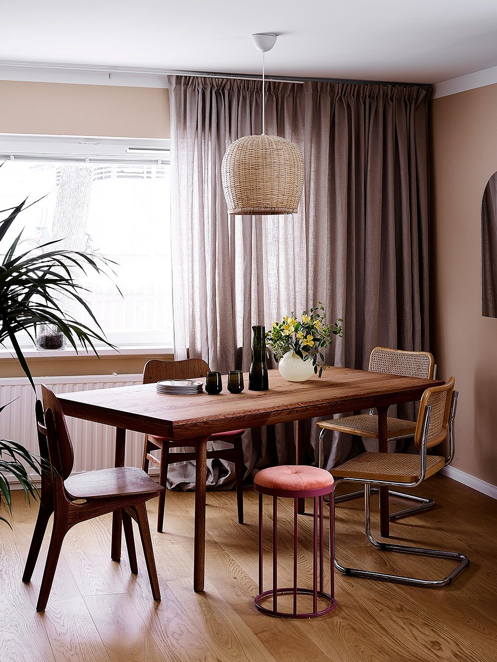 A Helsinki apartment in soft and warm tones