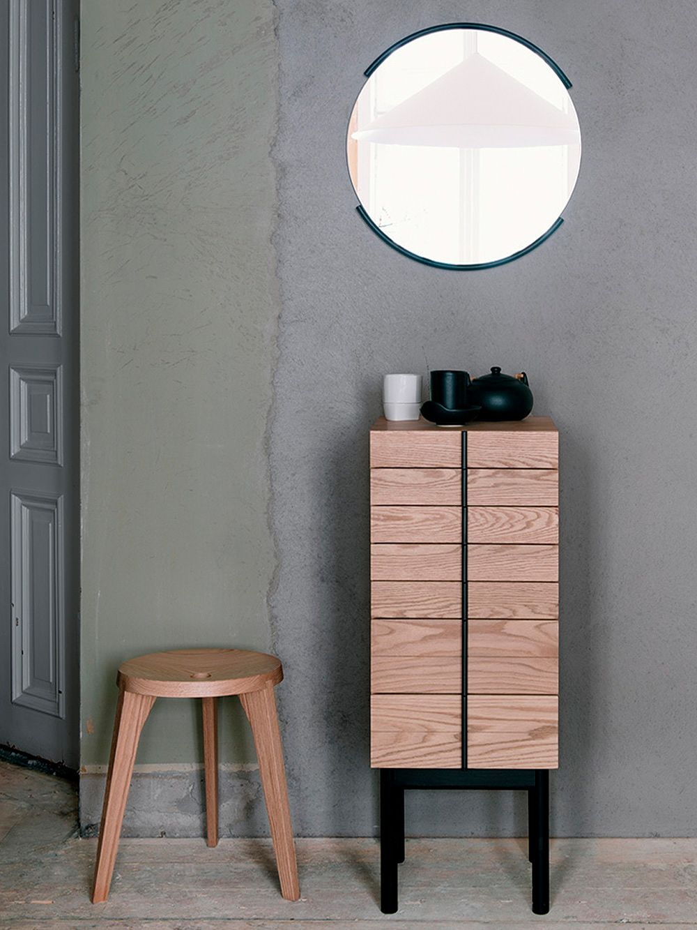 Ariake Dovetail stool and Column chest of drawers
