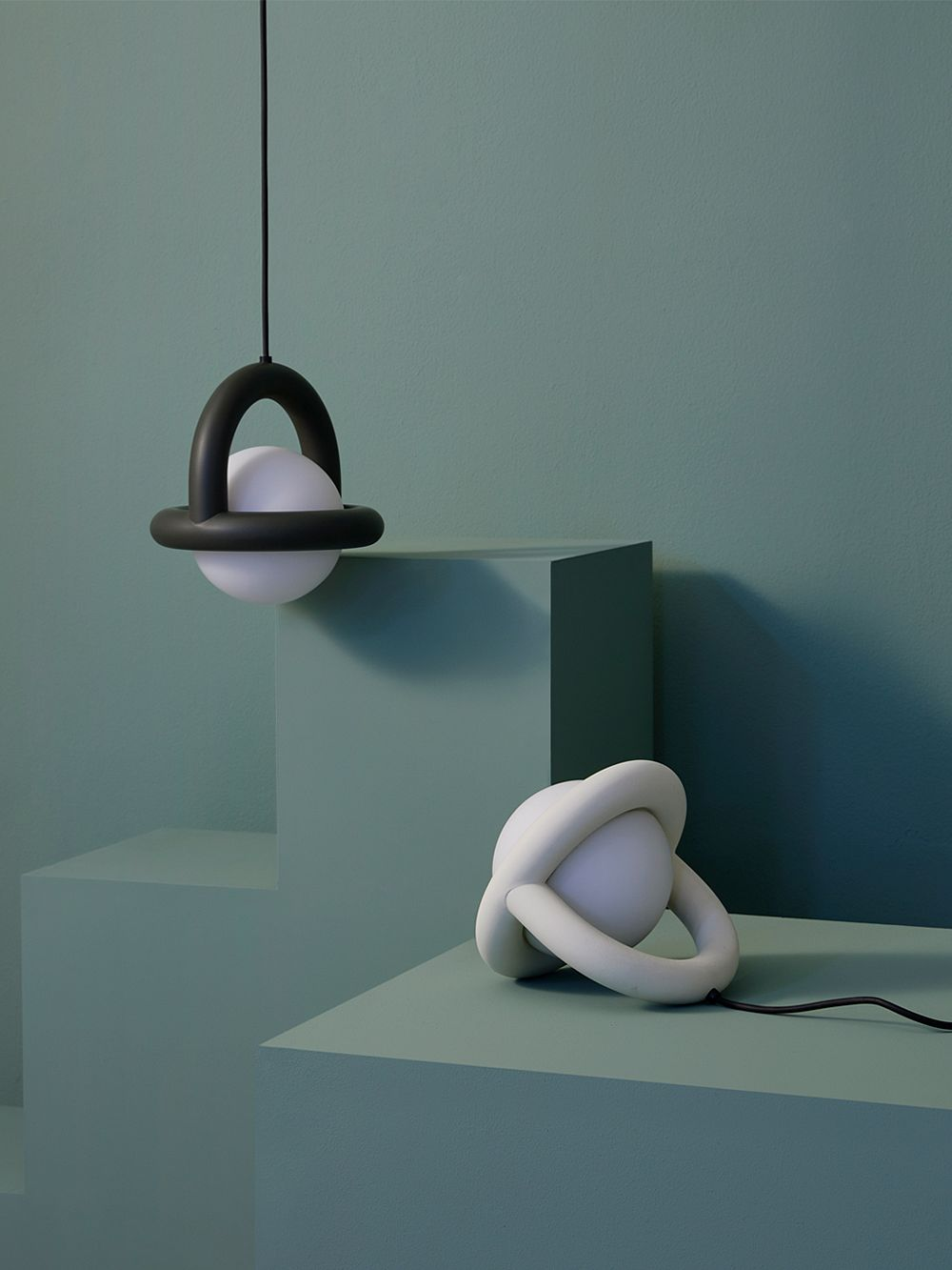Ago Balloon pendant lamp and table lamp