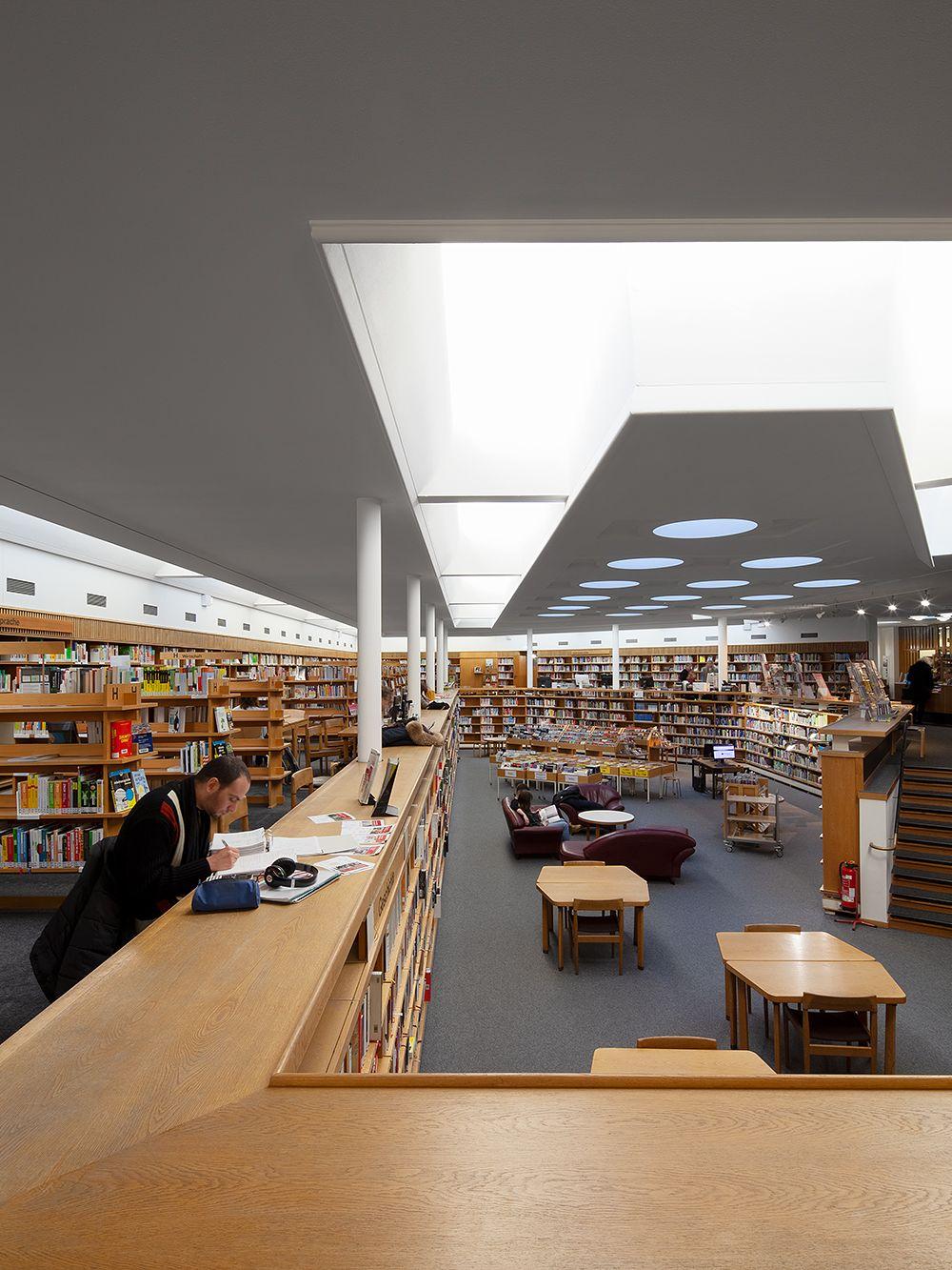 Alvar-Aalto-Kulturhaus, Wolfsburg, library