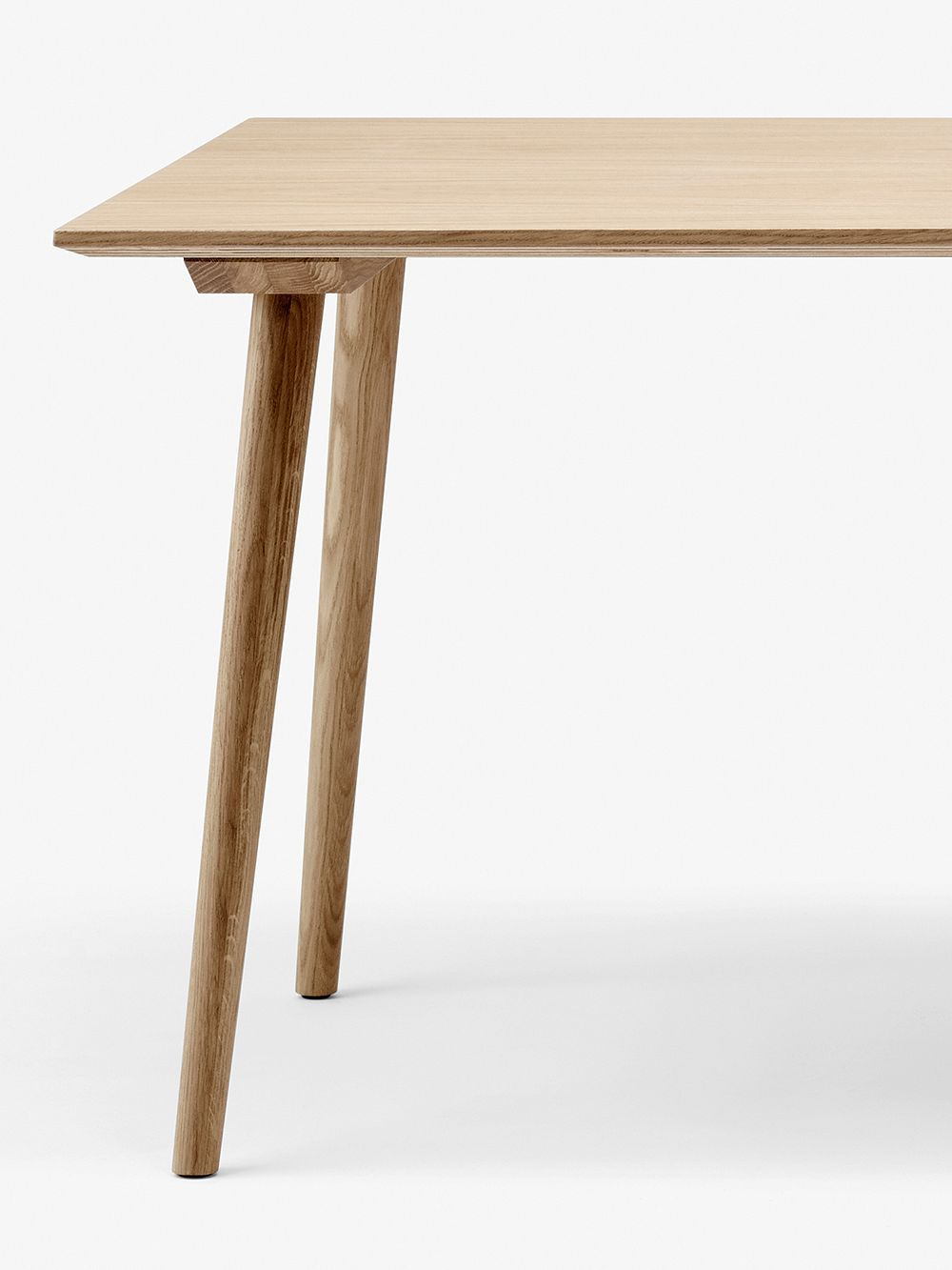 &Tradition In Between SK5 table 90x200 cm, lacquered oak