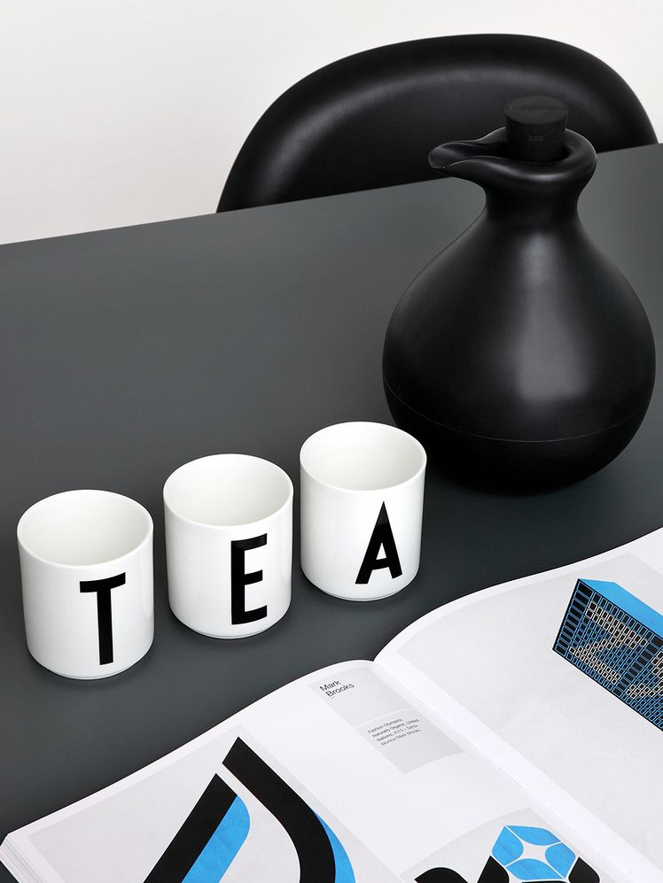 Design Letters Arne Jacobsen cups