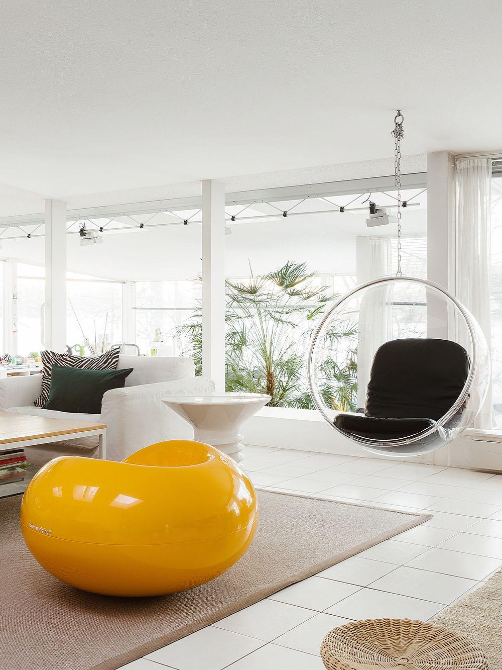 Eero Aarnio Originals Bubble Chair, black