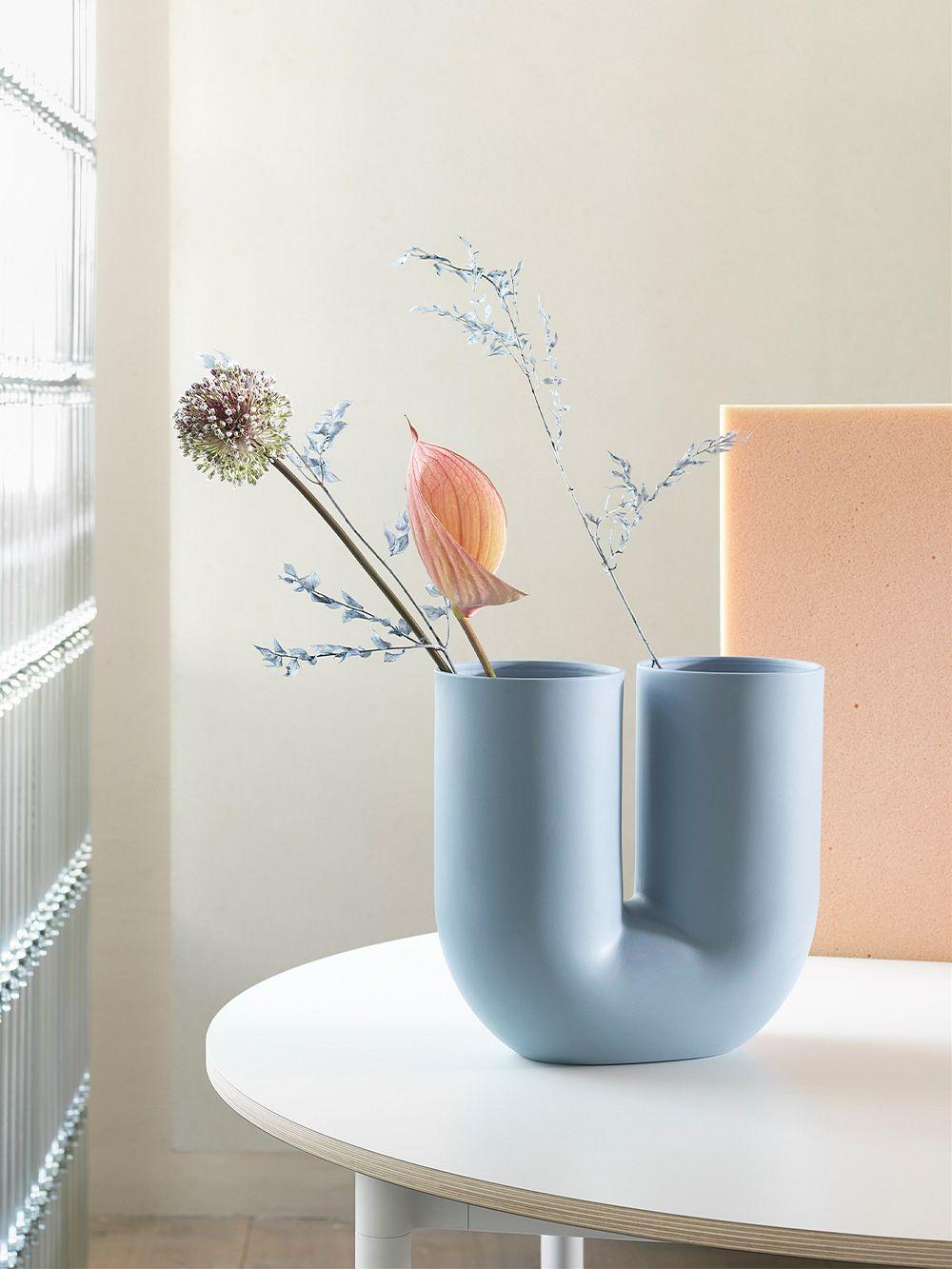 Muuto Kink vase, light blue