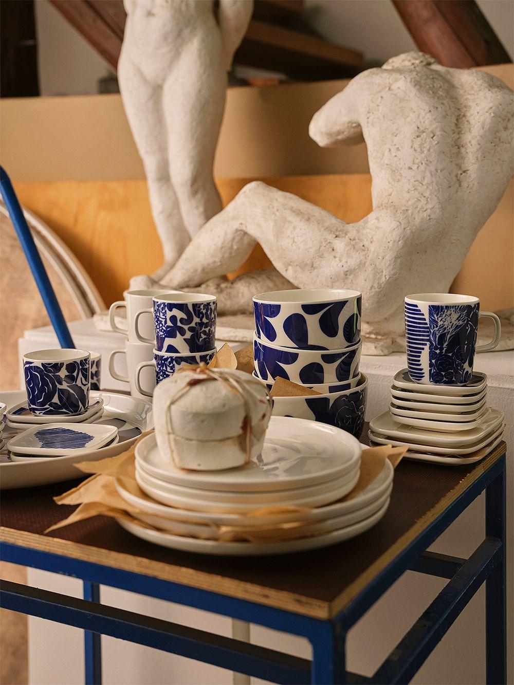 https://www.finnishdesignshop.com/tableware-dishware-bowls-oiva-ruudut-bowl-white-blue-p-33514.html