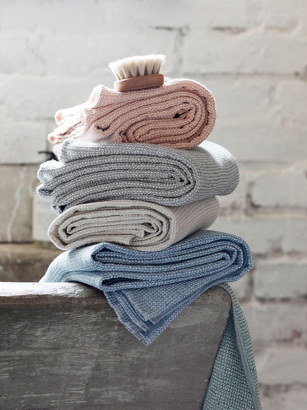 Terva giant towel