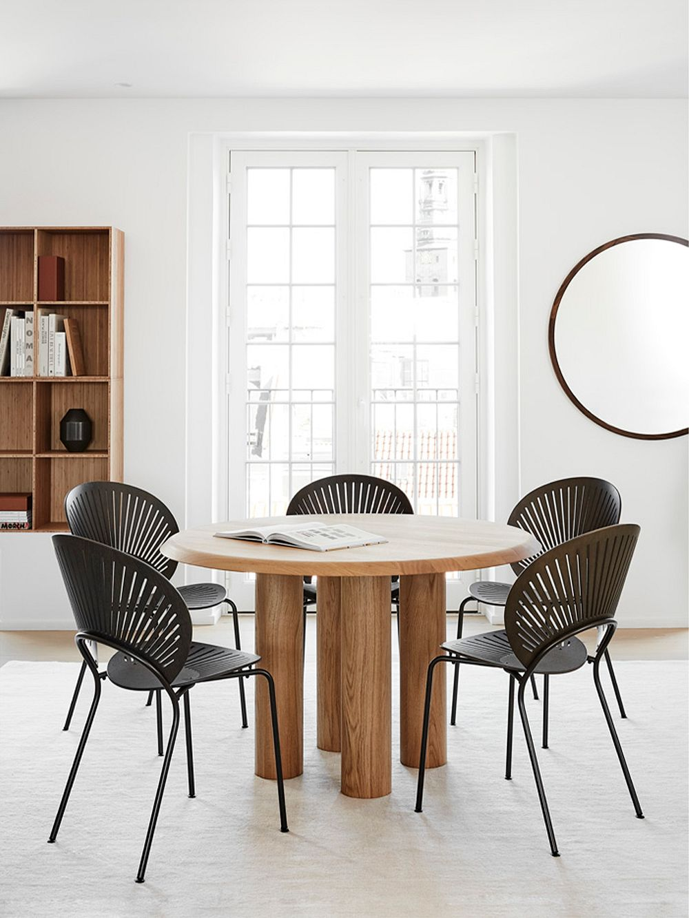 Fredericia Trinidad chairs in black