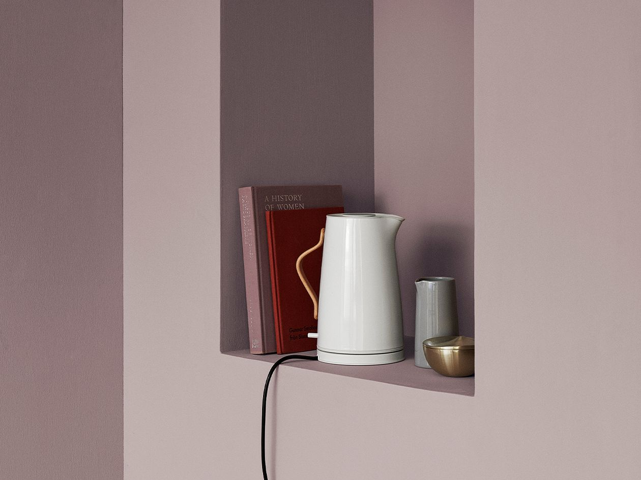 Stelton Emma electric kettle, white chalk