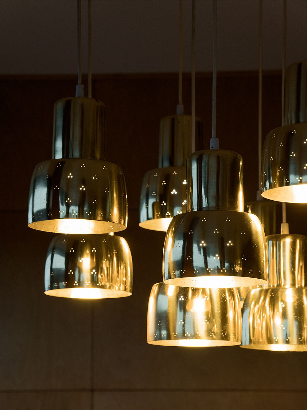 Paavo Tynell chandelier at Hotel Vaakuna