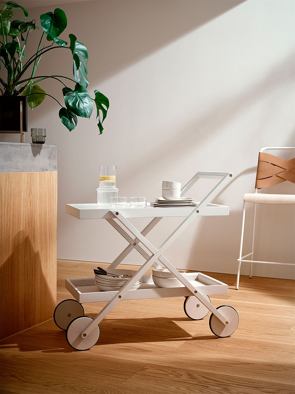 Design House Stockholm Exit trolley, white