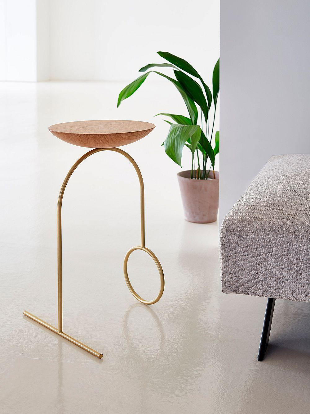 Viccarbe Giro sculpture table, brass - matt oak