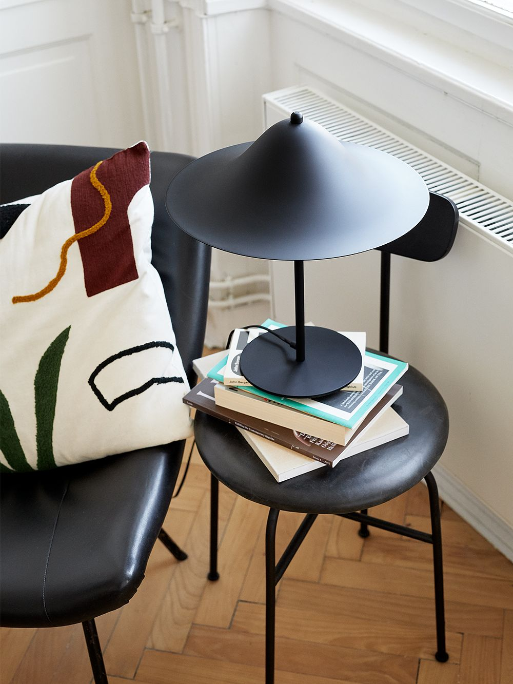 Hans table lamp by Pholc