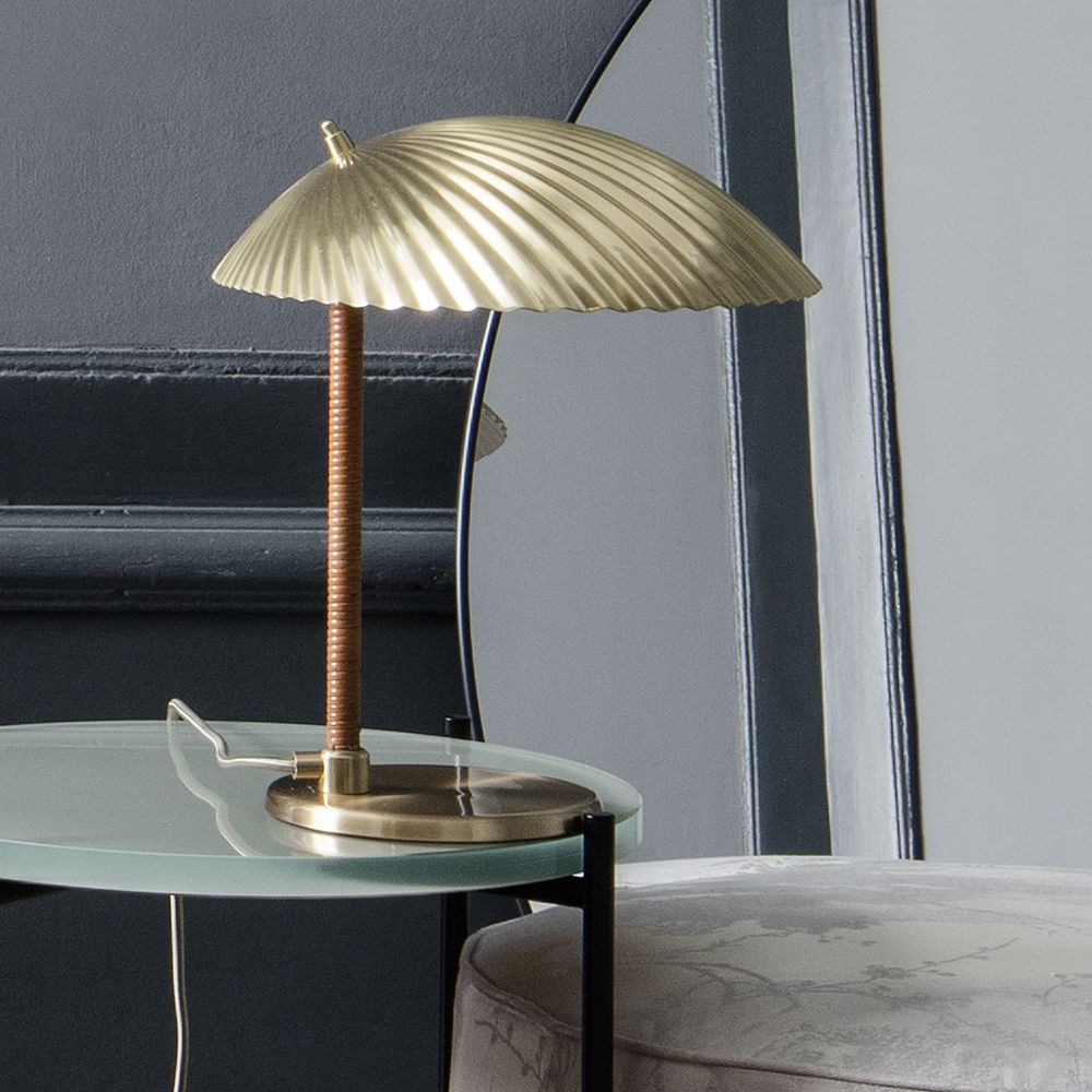 Gubi's 5321 table lamp, design by Paavo Tynell