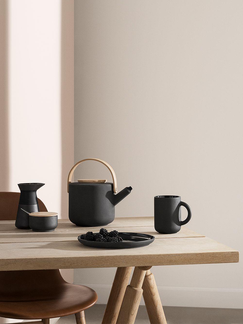 Stelton's Theo teapot