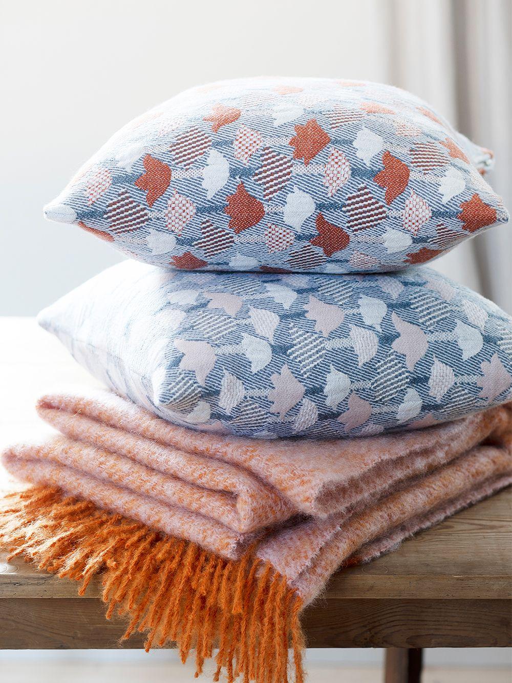 Tulppaani cushion cover by Lapuan Kankurit