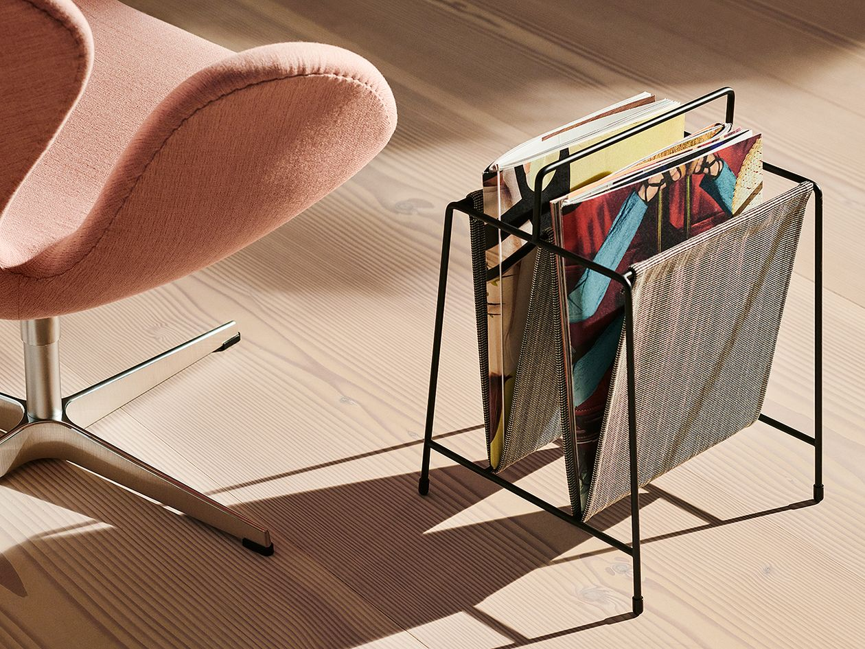 Fritz Hansen PM Magazine Holder