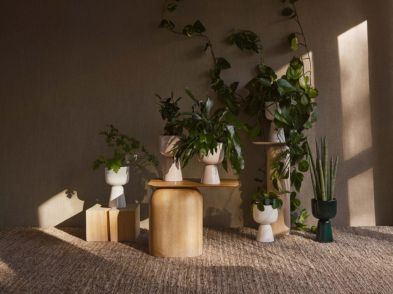 Iittala's Nappula pots on Nikari's April side tables.