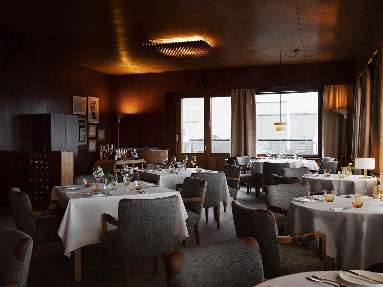 Restaurant Savoy designed by Aino and Alvar Aalto