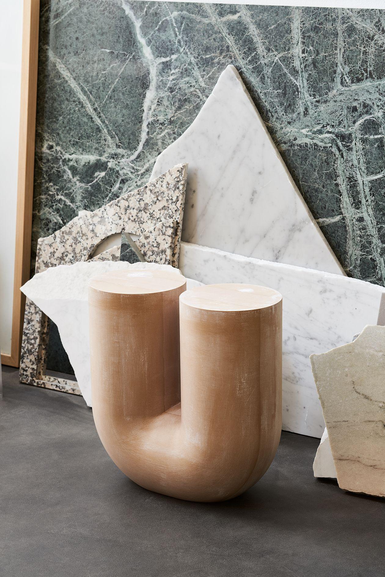 A slip-cast model version of the Kink vase.