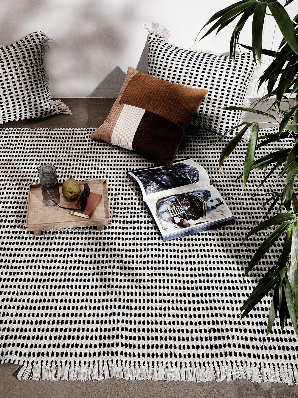 Ferm Living Way rug, 140 x 200 cm, off white - dark blue