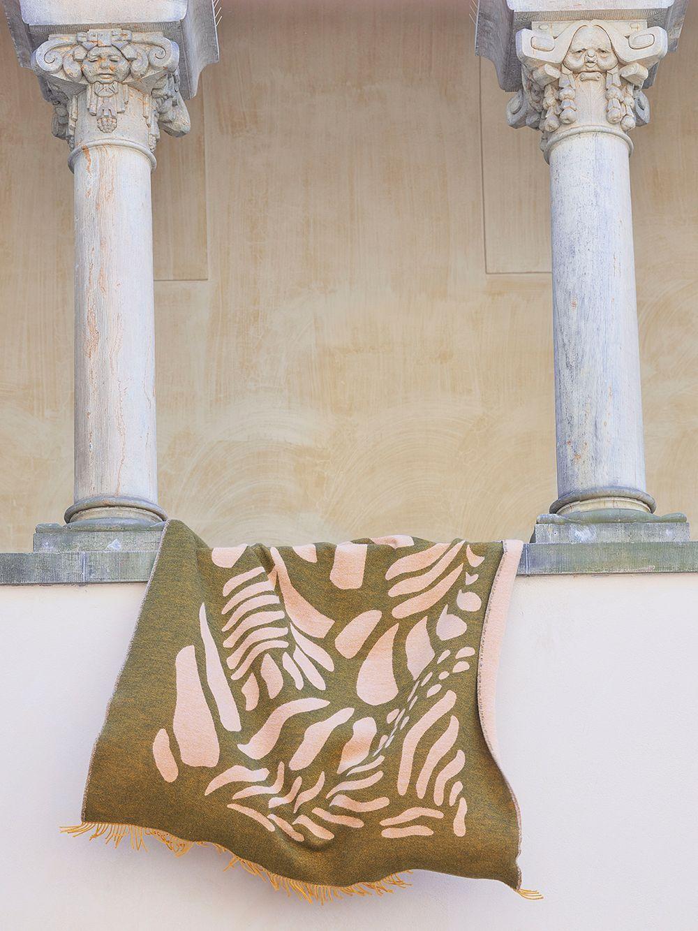 Finarte  Väre throw, 130 x 170 cm, green - pink