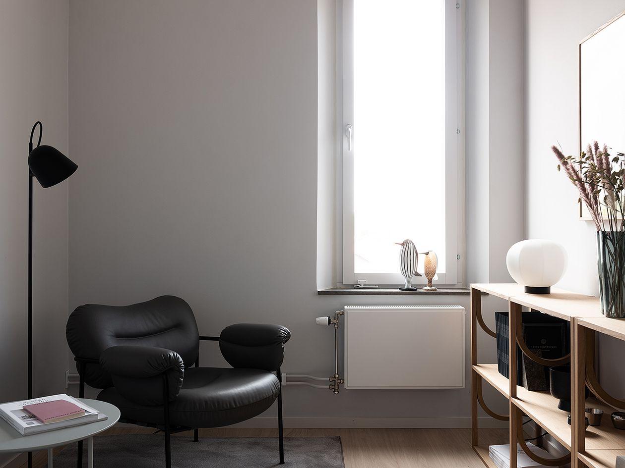 Fogia Bollo lounge chair, black leather - black